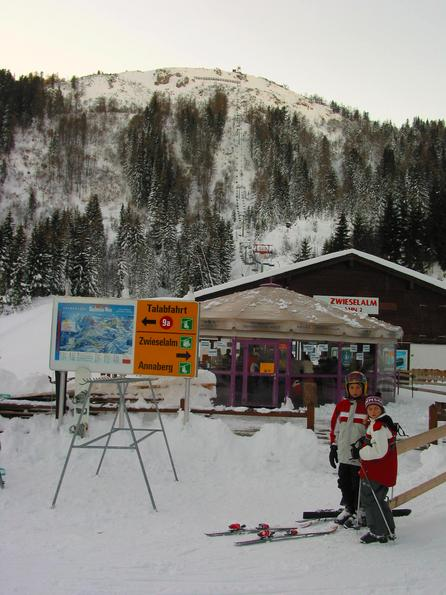 Austria skiing region Dachstein West:  Zwieselalm lift 2 By the valley station of the Zwieselalmbahn 2, one can also make a stop.  But for it is no time, because we have started a lot too late with the ski excursion..