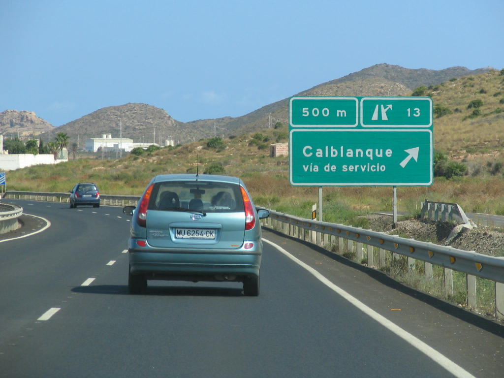 Weg zum FKK Strand nahe La Manga Murcia SpanienAuf der Schnellstraße ...