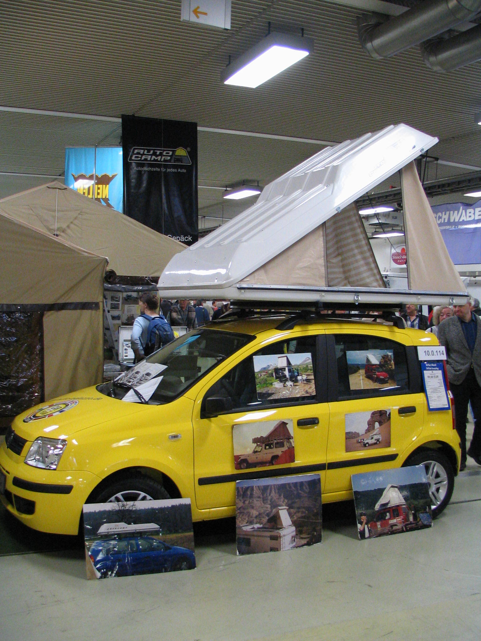 & Roof tent - cheap vacation for young pairs