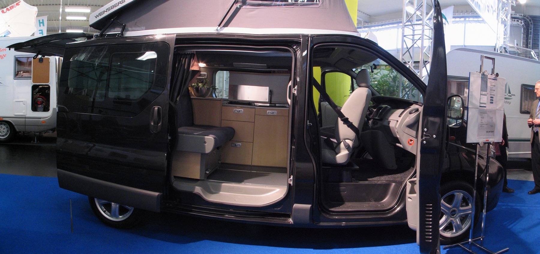 renault trafic camping bus from weinsberg. Black Bedroom Furniture Sets. Home Design Ideas