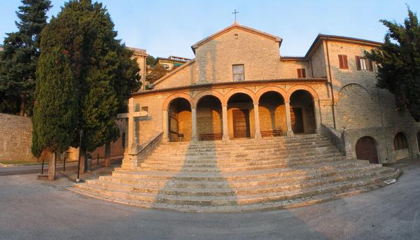 St. Franziskus church in San Marino 1351 began the construction work and were finished of beginning 1400. The today's appearance of the church in the neoclassic style exists since 1792.