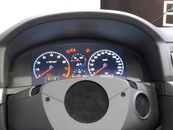 Car dashboard tuning What as looks here as round instruments is in reality a flat screen. You would see it at last, when the demo program switches to the next layout.
