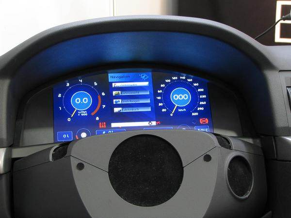 Dashboard with navigation and logbook The  flat screen which replaces the conventional one can fulfil also directly many further functions. So, for example, navigation and logbook.