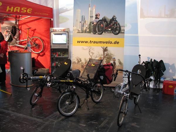 Recumbent bicycles in Munich There ars so big advantages from the recumbent bicycle compared to the old high bicycle, that is's a mystery not to see much more of them on the streets.