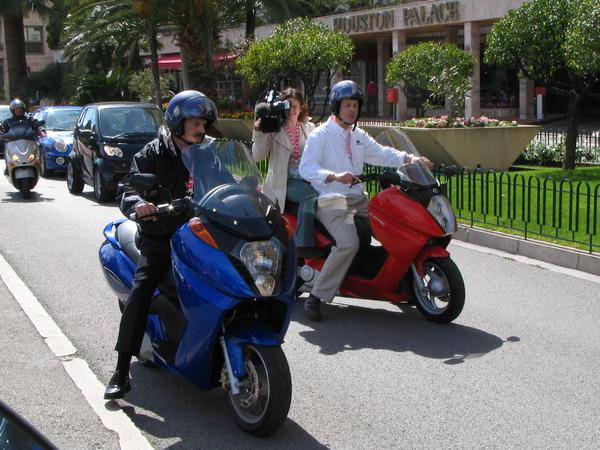 Video-receptions with the fair-sensation The Vectrix Maxi scooters had been probably  the most filmed object on the EVER Monaco. Which motorcycle would be better suitable for the camerawoman, than a quiet Vectrix?