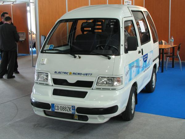 Electric microvan This electric minibus uses 16,4 kWhs electric power instead of 7,7 liters of gasoline for 100km. The  6 seats Micro-Vett. is Ideal as delivery truck in the downtown.