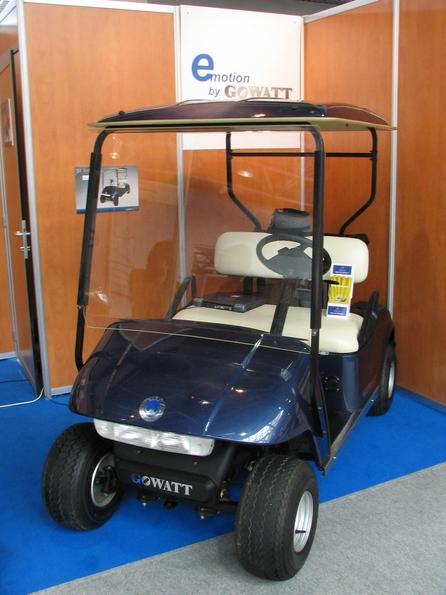 Golf car Only 5399.-EUR is the price of this golf car from GoWatt. 36V 180Ah lead-batteries are enough to starting on up to 20 percent of rise, 27km/h top speed and a reach from 70km.