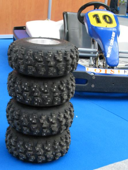 Spike tires for electrickart races in the ice There are electric Loisika kart races also on icebound lakes. For of such type wintry racing distances these speik tyres are intended.