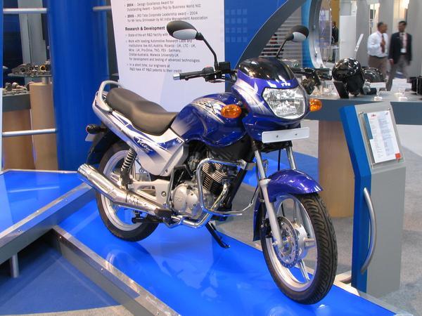 India motorcycle Motocicleta indiana TVS Victor GLX 125, racire pe aer, 125 cmc, un cilindru, 4 timpi, 4 viteze si 7 kw.