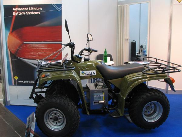 Electric quad - Quad drive electrically Such a Quad was also seen on the EVER Monaco in 2006. However, in Monaco it was equipped with sealed lead batteries. Here it is reequipped to Gaia lithium batteries.