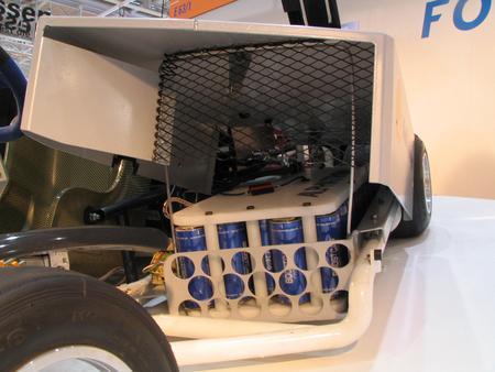 Ultra condensatori in sporturile de curse. Aceasta este  metoda prin care se poate accelera e la 0 la 100 kmh in mai putin de 8 secunde, cu un acumulator de doar 8 kw, care produce incarcatura de energie in mod constant.