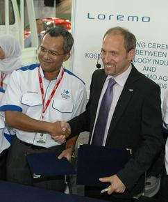 Malaysian Investor takes a stake in Loremo AG Munich based Loremo AG presents its concept car the 1,5l (157 mpg) Loremo LS at the Kuala Lumpur international Motor Show and signed a Purchase Agreement over 26%