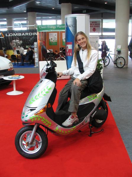 Peugeot Scootelec Unul din aceste scootere electrice a luat premiul 1 in 2007 in privinta design-ului. Ar fi timpul ca organizatorul sa gaseasca un succesor pentru ca acest scooter nu se va mai produce.