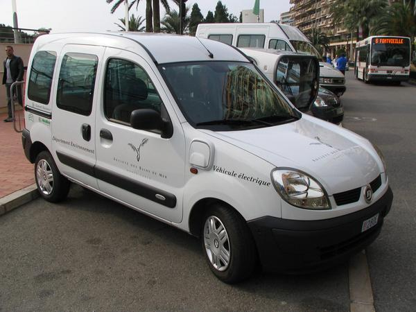 Renault Kangoo electric car Lithium is the material on which our automobile future consists. At a short test drive, drive, it was possible to convince myself about this.