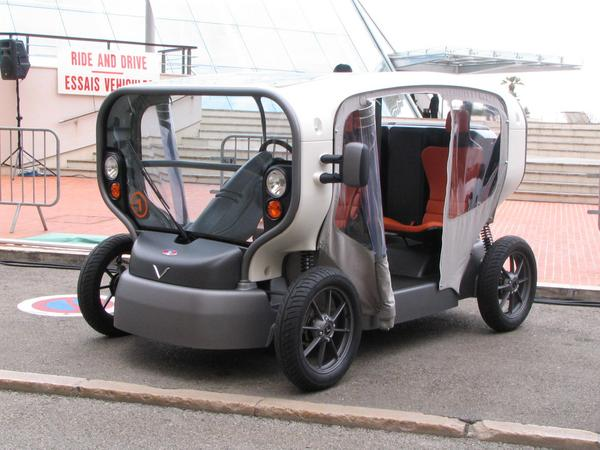 City car with integrated photovoltaic Surprise from Venturi, instead of a super sports car, they show this year a 3 seat city car, which will be produced in a limited edition of 200 vehicles for 24.000,-EUR each.