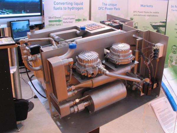 Acumulator pe motorina 32.8% din energia chimica este transformata in energie electrica. Aceste performante in ce priveste reducerea zgomotului si a gazelor se datoreaza acestui sistem de combustie ICE 4kw.