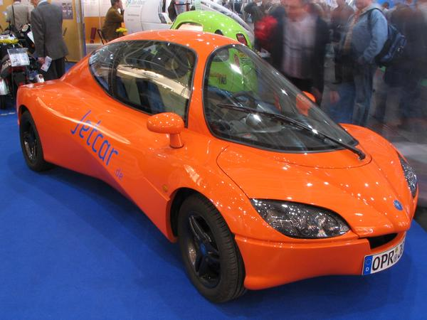 Jetcar With only 40 hp 160 km/h. With this, the Jetcar is just between today small cars, about 60 hp for 160 and the Loremo using only 20 hp for this,.