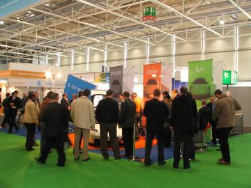 Loremo booth A photo of the whole booth was only evidently after the fair opening time possible. By day was the booth of the 1,5 litre car always surrounded by masses of poeple.