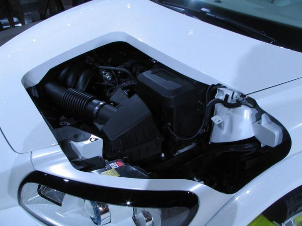 Volvo Plug-in-Hybrid Generator What is the range of an electric car? As long as the carried generator delivers electric power. The engine has no mechanical contact to the wheels.