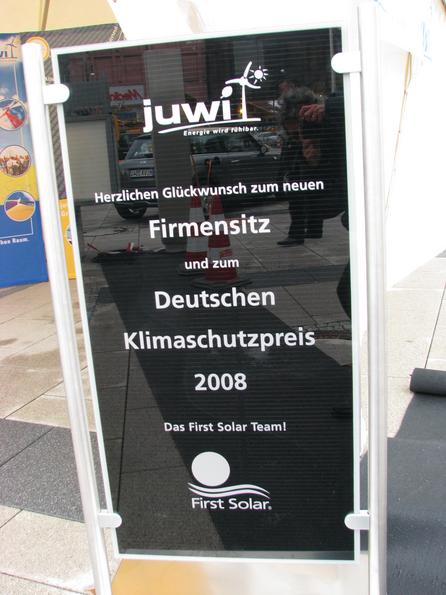 First Solar in Germany by Juwi Matthias Willenbacher, founder of Juwi is not only the first Tesla owner in Germany, he brings also the cheap First Solar CdTe thin film cells to Germany.