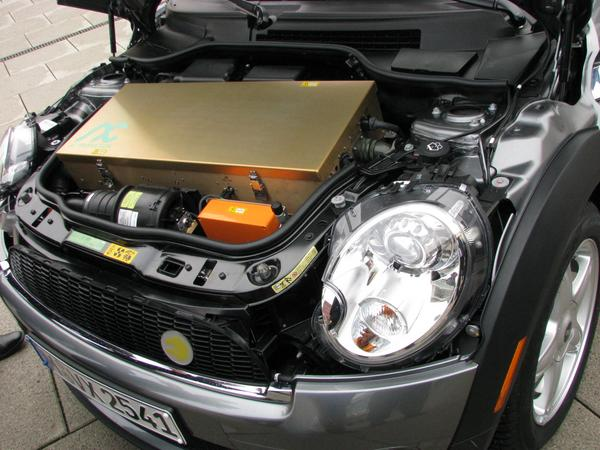 BMW Mini electric engine department 150 kW or 204 PS have to be managed, the required engine controller dominates the motor department.