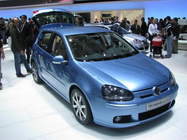 VW Golf Hybrid 2 years ago, I wrote enthusiastic at the EVER Monaco about the Citroen C4 Dieselhybrid. But time does not stop, the requirements develop fast further.
