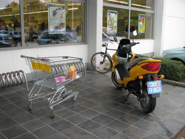 Shopping Dar unde sa pun cumparaturile ? Dupa cum am aratat in E-Max S despre cum sa-ti transporti cumparaturile , in partea din fata,