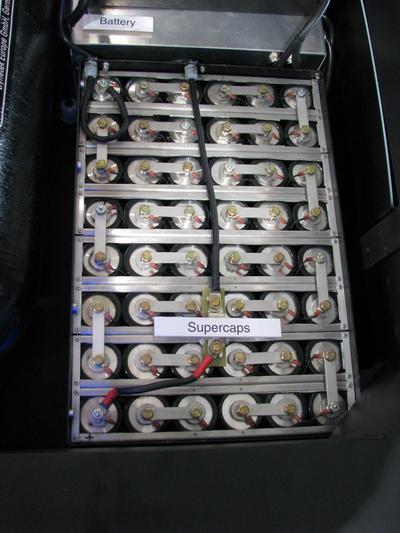 Supercaps in the EcoCarrier Hy3 mit Triple Hybrid Tehnologia hidrogenului pe intelesul omului simplu. De ce exista sistemele astea pentru motoare de doar 15 kw ? Pentru ca bateriile sunt prea mici. Dar, de ce sunt bateriile asa de mici ?