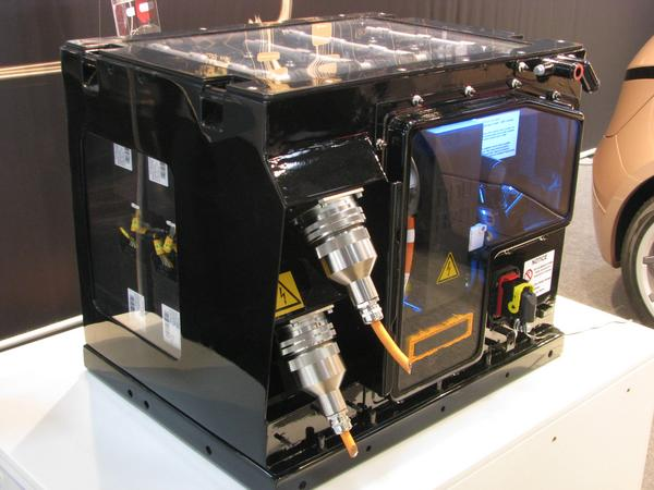 Battery for Hybrid bus truck from Magna First application for hybrid in commercial vehicles: Applications with much stop and go like buses in city traffic or garbage trucks.