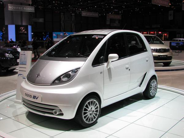 Electric car Tata Nano 12 kWh battery 120 km range 40 kW engine and 110 km/h top speed. For many enough and suitable mobility in the next oil crisis.