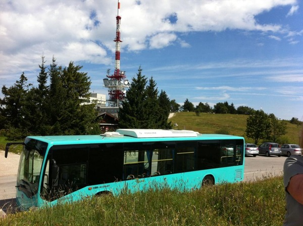 BYD electric bus on the Gaisberg From Salzburg Gnigl 424m above sea level to the Gaisberg 1265m above sea level are 40 kWh used. At the way back, the battery is charged with 16 kWh.