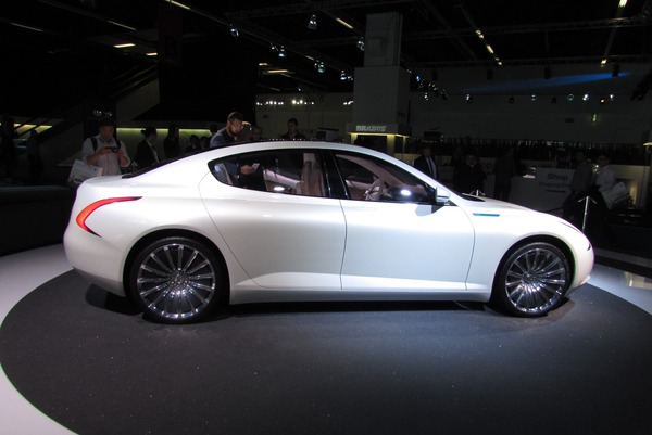 Thunder power first Tesla S competitor From 2017 onwards this first shown Tesla S competitor will be available with a 125 kWh battery. This will be sufficient for a range of 650 km.